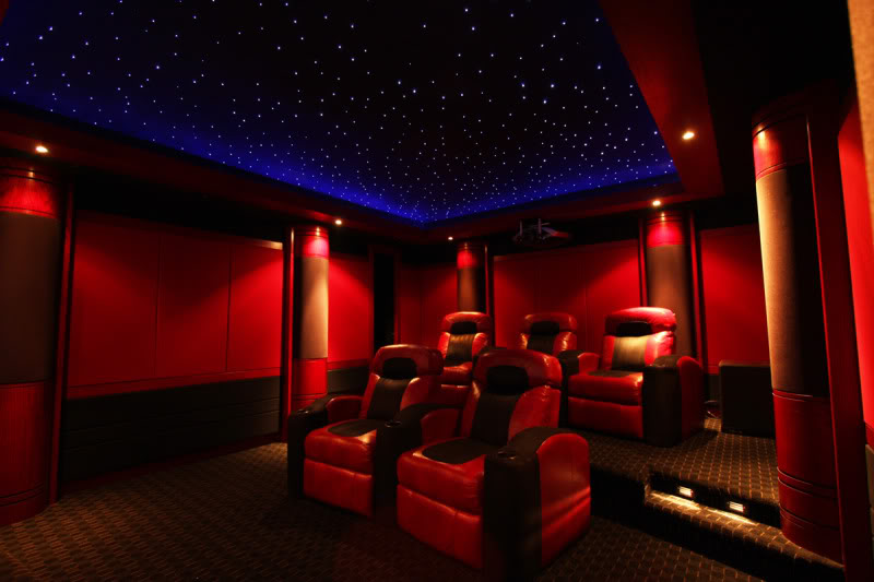 How to build a movie theater room in your apartment for Small room movie theater